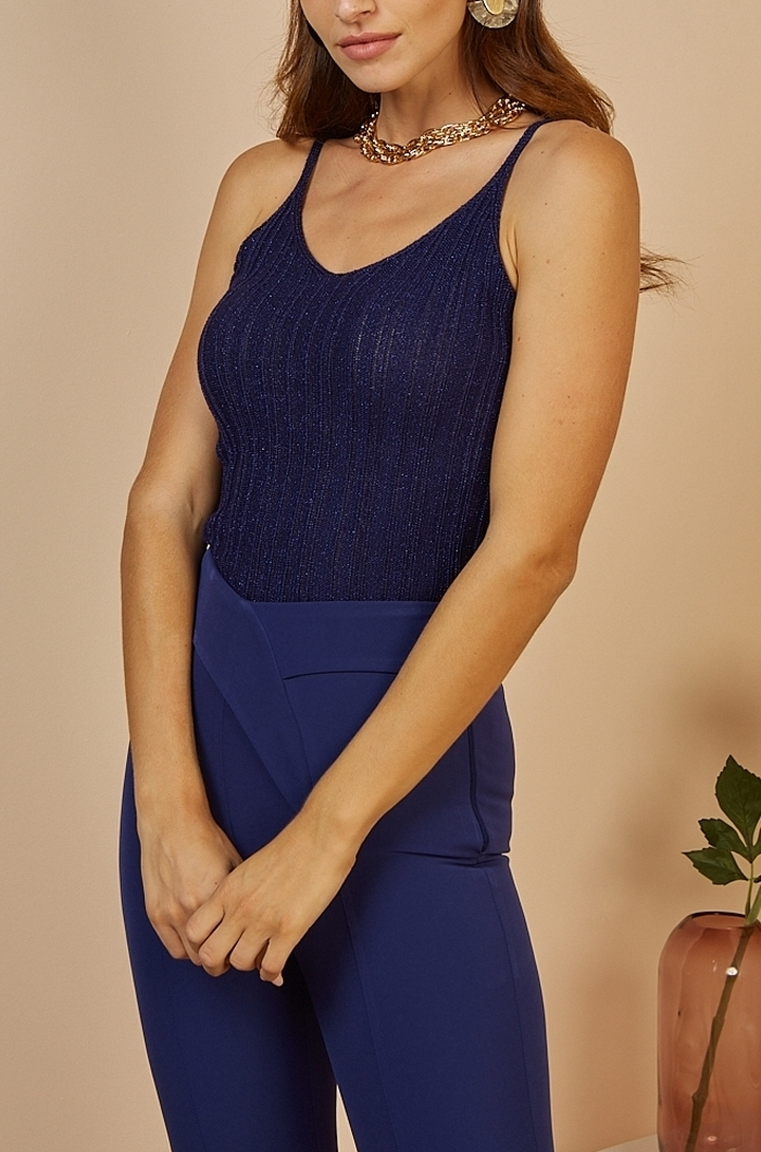 Αμάνικη πλεκτή μπλούζα, με lurex πλέξη, λεπτές τιράντες και ελαστική εφαρμογή